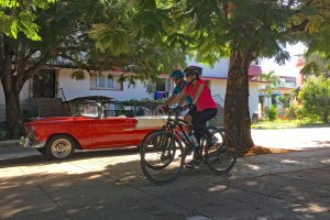 Cycling in Havana with Cubania