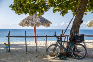 Bike to the beach, Cuba