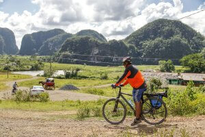 Cycling In Viñales with Cubania